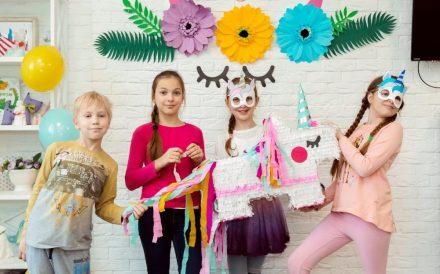 Творческий лагерь для школьников во время летних каникул