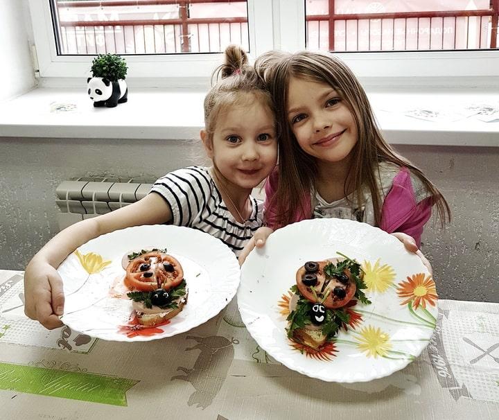 Увлекательная продленка: акварельный закат, день бутерброда и цветы из ватных палочек!