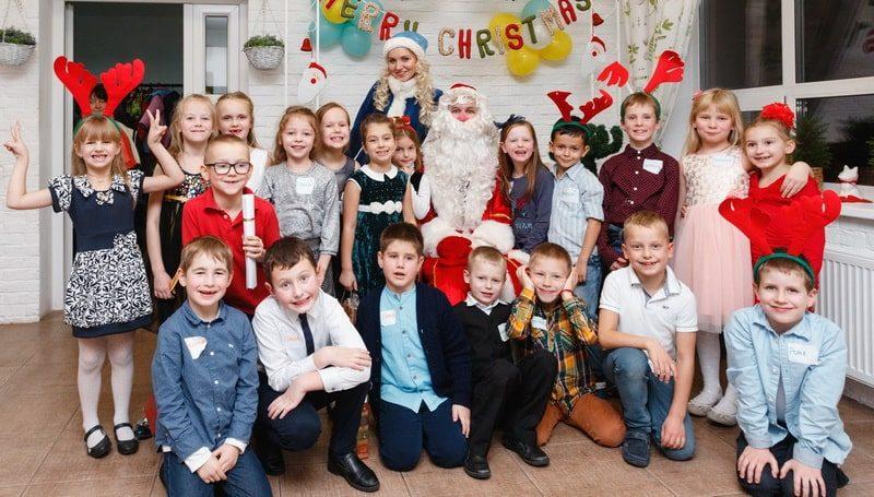 Новогодний праздник в детском саду и школе